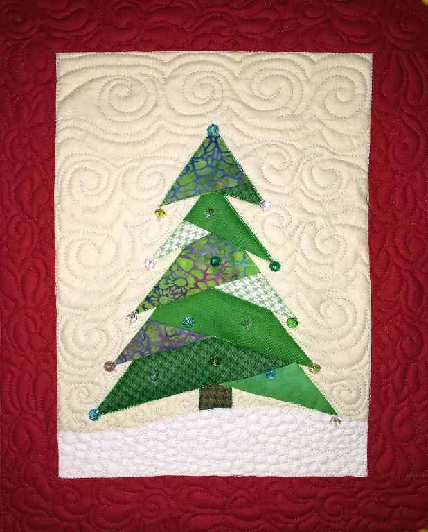 Quilting Patterns Xmas Free : 6 Christmas Quilting Projects to Start on Now - Page 2 of 2 - Quilting Digest