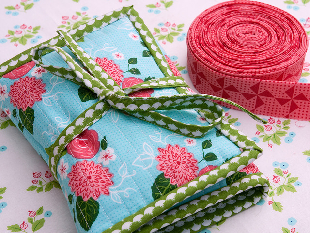 Must-have binding bag for quilters