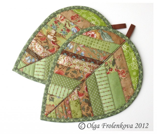 Green leaf potholders