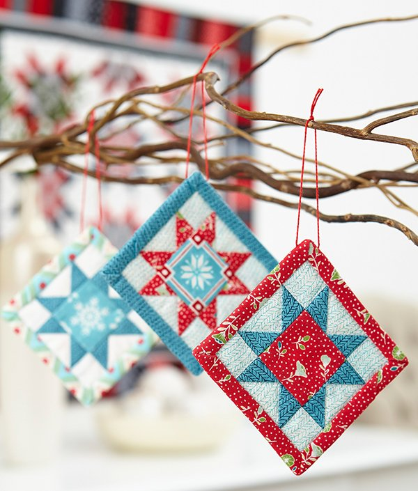 Small Quilted Gift Ideas To Make : Mini Quilt Ornaments for Christmas Cheer - Quilting Digest