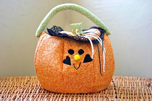 Halloween Trick or Treat Bag Tutorial