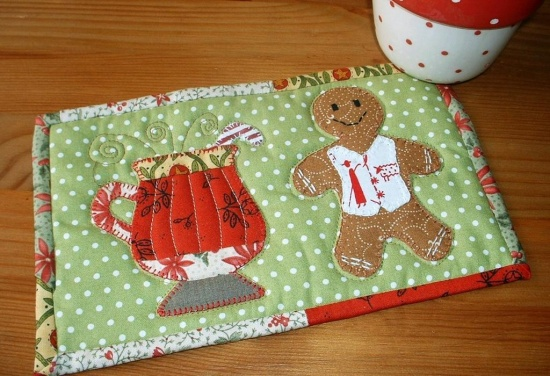 Gingerbread Man Mug Rug