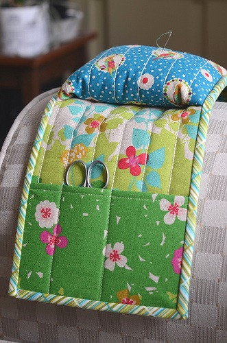 Armchair Pincushion Caddy