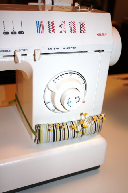 Super Easy Pincushion for Your Sewing Machine - Quilting Digest
