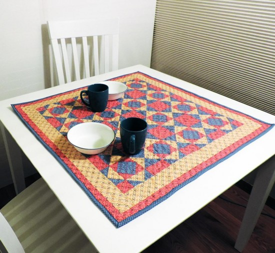 Kitchen Quilting Ideas : Quick and Easy Table Topper for Your Kitchen - Quilting Digest