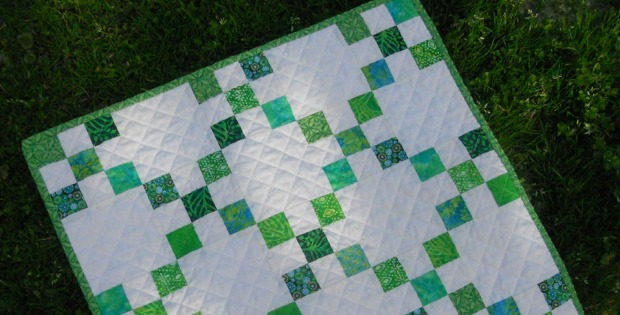 54d685e8 This Mini Single Irish Chain Quilt is Fresh and Fun - Quilting Digest