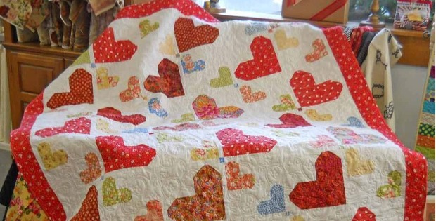 Random Hearts Make a Charming Quilt - Quilting Digest : quilts with hearts - Adamdwight.com