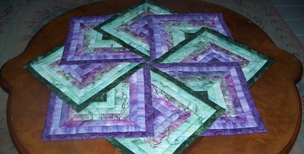 Spinning Star Table Topper Quilting Digest
