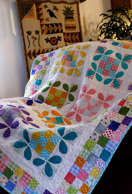 The Honey Bee Quilt Buzzes With Color