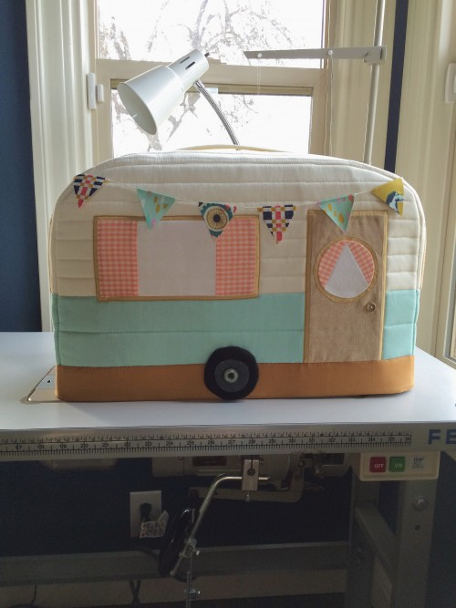 Book Cover Sewing Room : A fun sewing machine cover for your room quilting