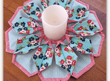 Fold'n Stitch Blooms Table Topper Pattern