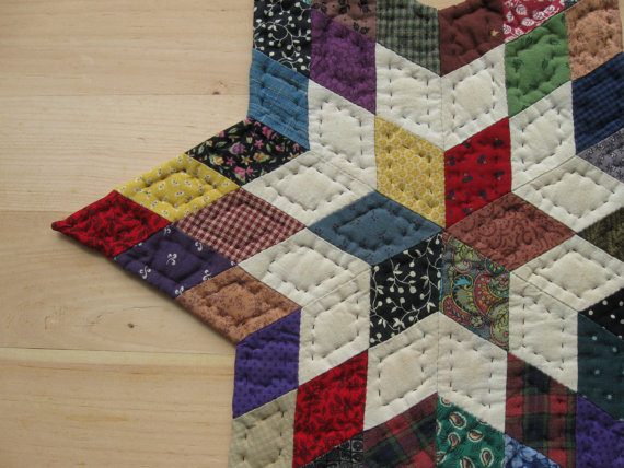 Quilted Star Table Topper