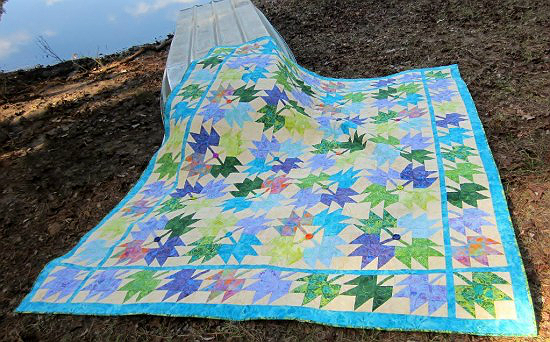 Scattered Leaves Quilt