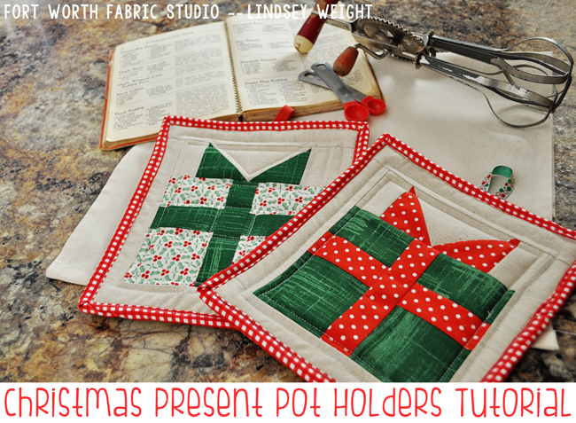 Christmas Presents Mini Quilt and Potholders - Quilting Digest