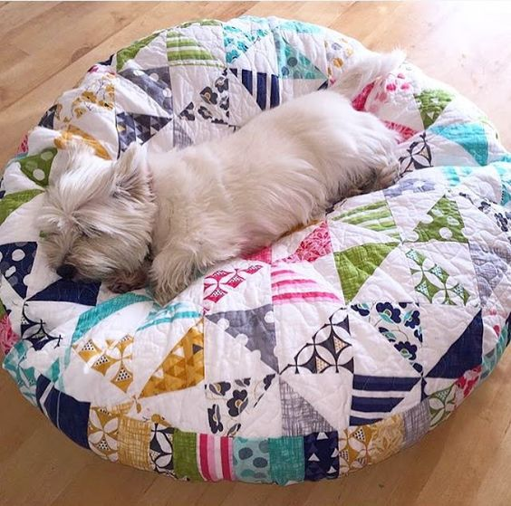 Simple patchwork makes a darling pet bed quilting digest for How to make a cat bed easy