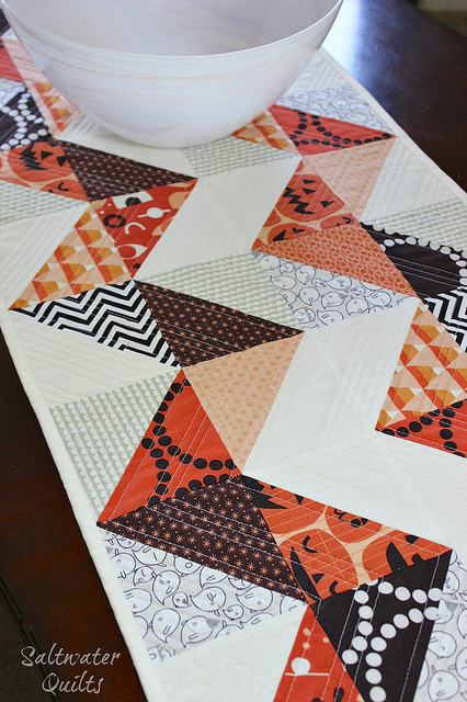 Reversible Table Runner