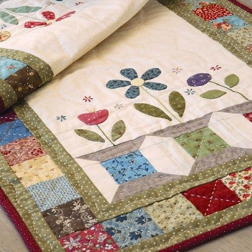 Garden Spools Table Runner