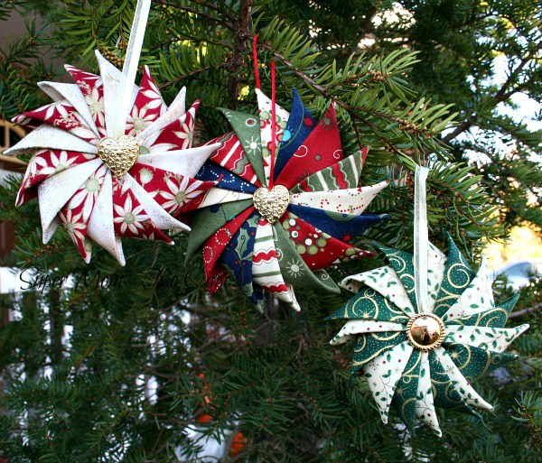 Prairie points make beautiful star ornaments quilting digest - Make your own christmas tree decorations ...