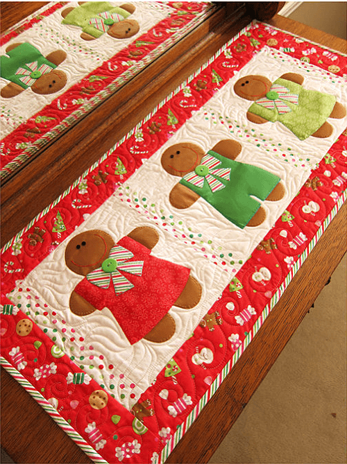 Gingerbread Treats Table Runner