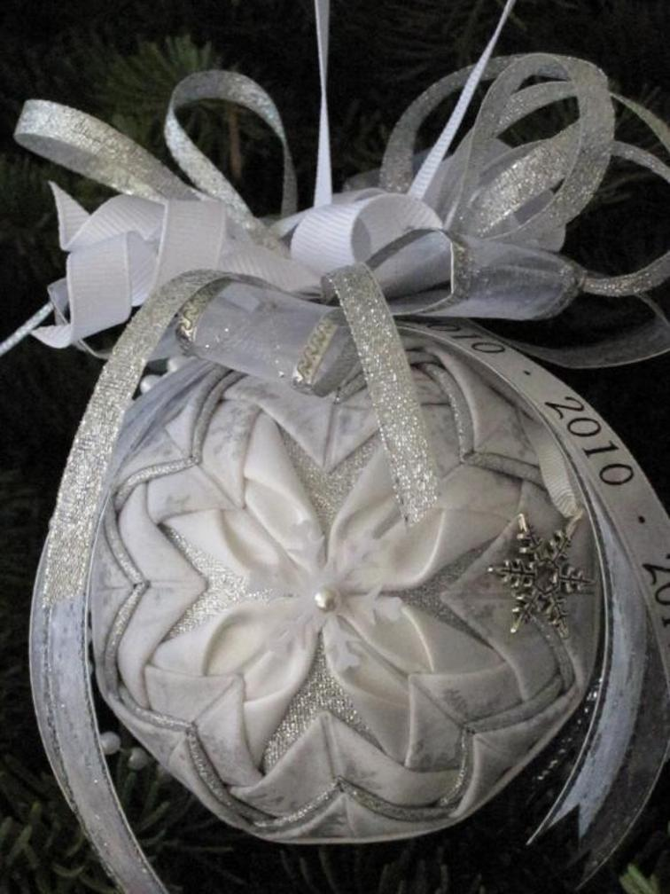 Easy No-Sew Ornaments Are Pretty for Any Occasion ...