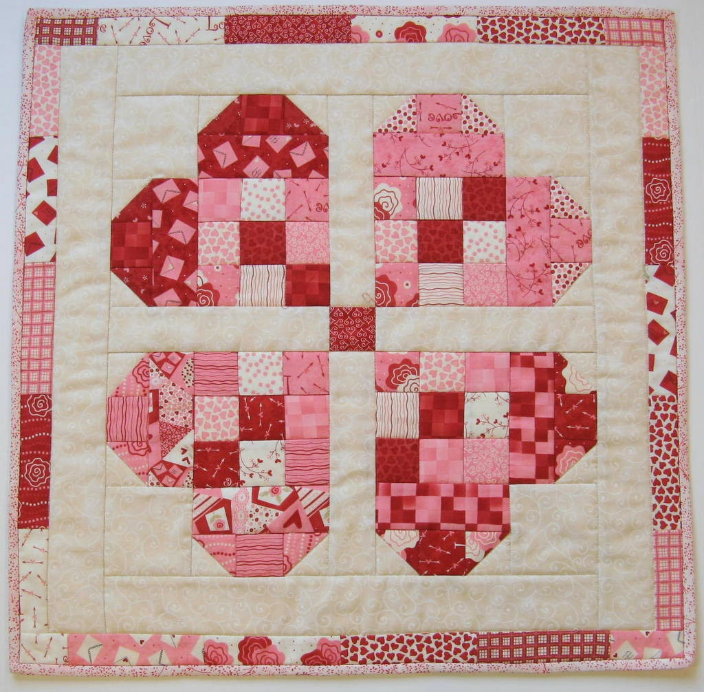 an easy topper for valentine 39 s day quilting digest