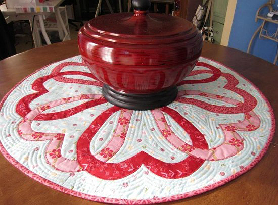 Round Valentine Table Topper