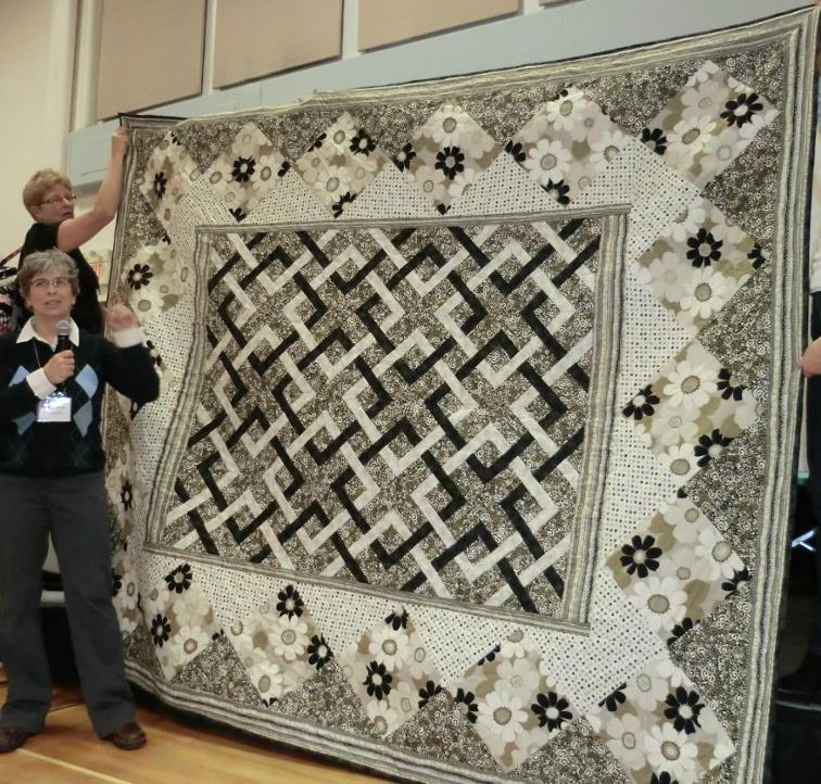 Intricate Knots Make a Stunning Quilt - Quilting Digest : le jardin quilt pattern - Adamdwight.com