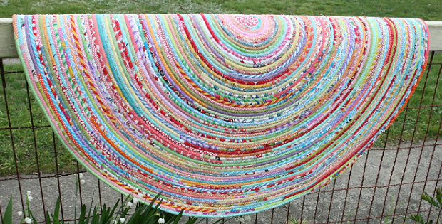 Make A Charming Rug From Fabric Ss