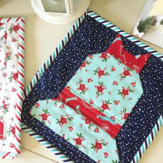 Christmas Bell Mini Quilt