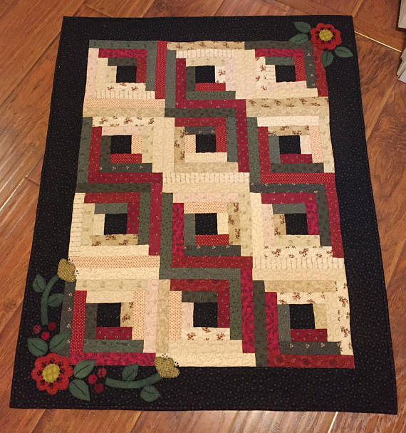 Log Cabin Christmas Small Quilt Pattern