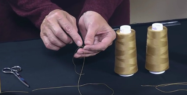 Prevent Thread from Tangling When Hand Sewing