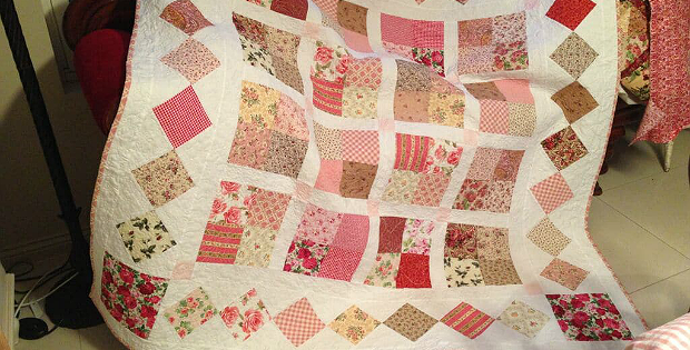 Country Roses Four Patch Quilt Pattern