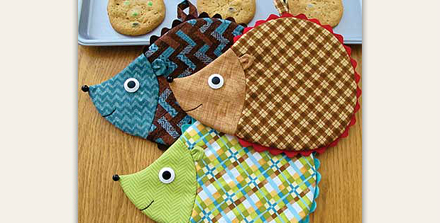 friendly hedgehogs will brighten any kitchen hedge fun hot pad pattern - Kitchen Hot Pads