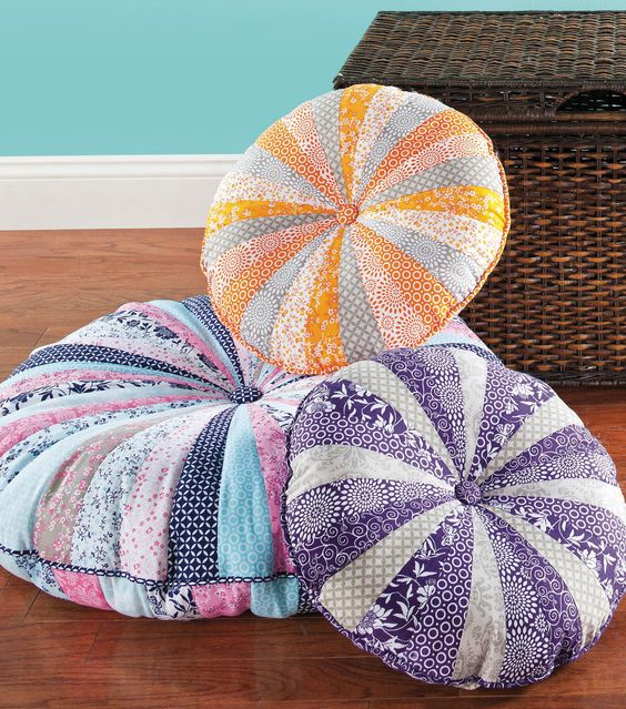 Round Floor Pillow Pattern