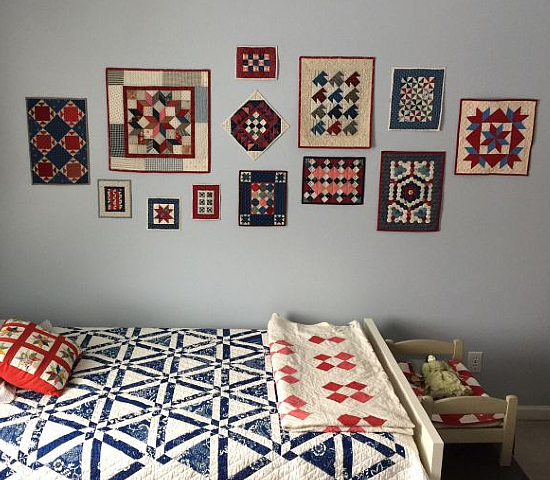 A Super Easy Way to Hang Mini Quilts