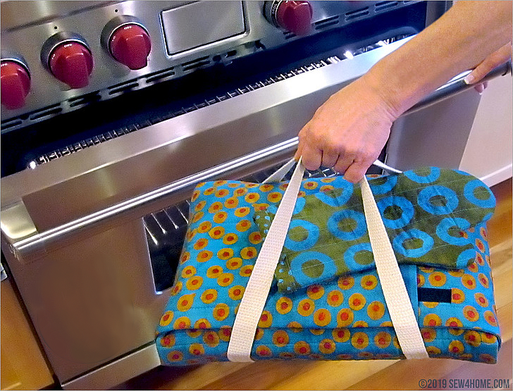 Wrap-and-Go Quilted Casserole Carrier