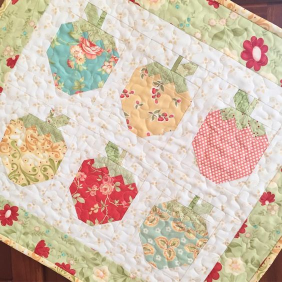 Strawberry Social Mini Quilt Pattern