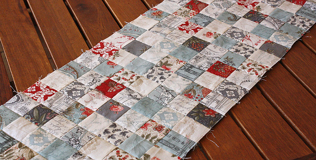 Make (Almost) Random Patchwork with Strip Piecing