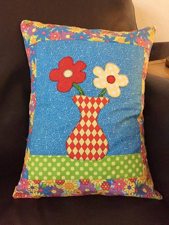 Big Blooms Toss Pillow Pattern