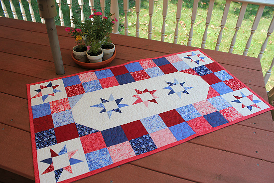 Wonky Star Table Topper Tutorial