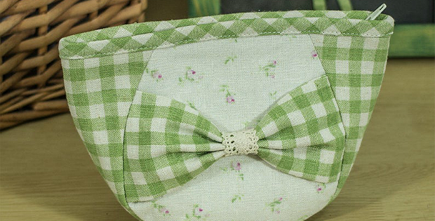 Zipper Pouch with Bowknot Pattern