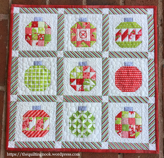 Vintage Holiday Mini Quilt Pattern