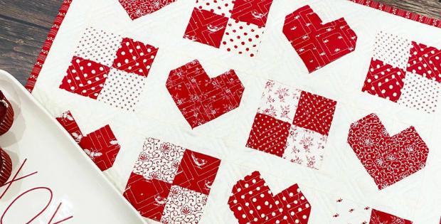 Sweetheart Table Topper Pattern