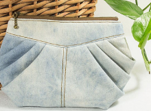 Stereoscopic Pleated Clutch Pattern