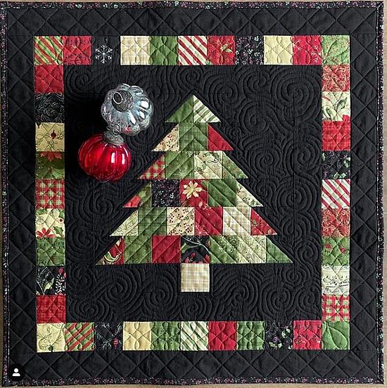 Mini Charming Christmas Short Cut Quilt Pattern