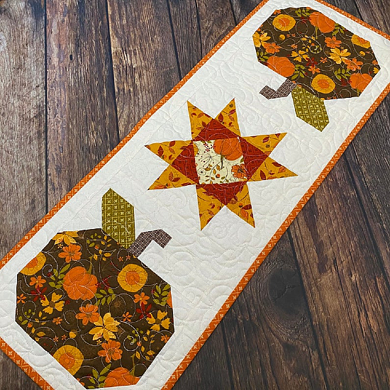 Autumn Abundance Table Runner Pattern