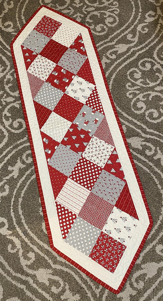Holliberry Table Runner Pattern