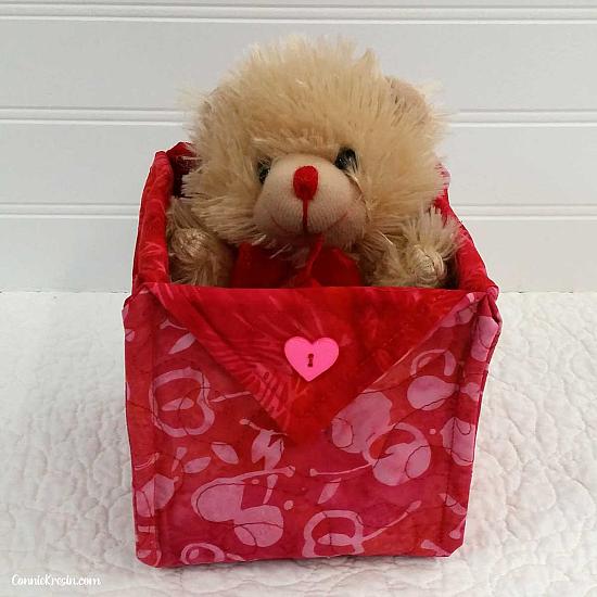 Happy Valentine's Day Fabric Baskets Tutorial