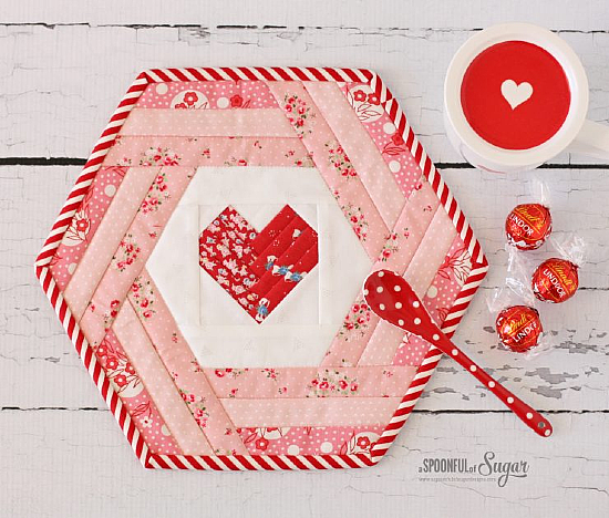 Hexie Heart Placemat Pattern