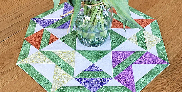 Candy Apple Table Topper Pattern